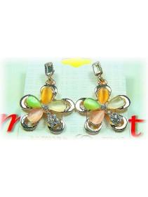 Fashion Handmade Korean Earrings With Shinning Crystal & Diamonds Flower-Like Shape