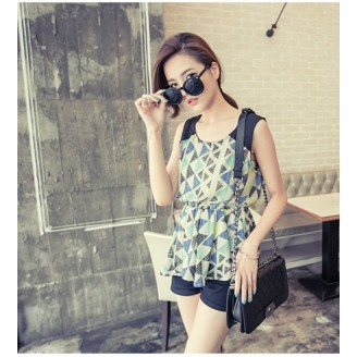 Trendy Triangle Geomentric Design Sleeveless Top