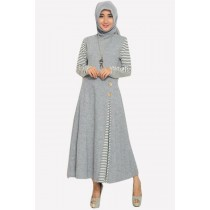 Fashion Classic Side Pleated Modern Jubah Dress With Wooden Button